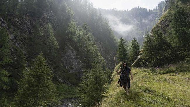 Kursus menjadi manusia purba ini bisa diikuti siapa pun, tergantung dari tingkatan kemampuannya.