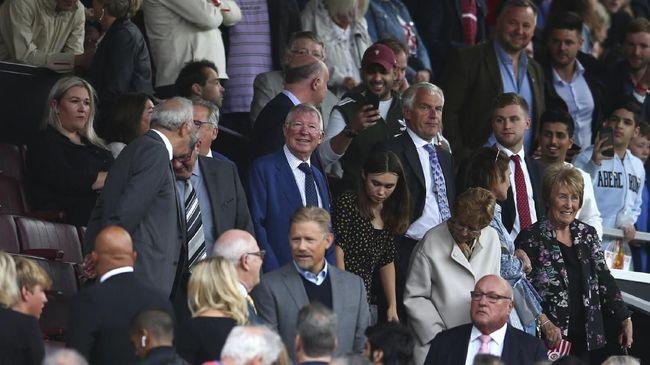 Legenda Liverpool Robbie Fowler yakin Sir Alex Ferguson bakal memiliki rasa takut saat menonton Manchester United menjamu The Reds di Liga Inggris.