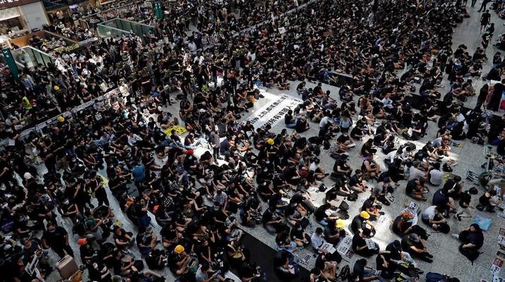 Hong Kong Membara, Bursa Saham Asia Ditinggal Investor - Rifanfinancindo