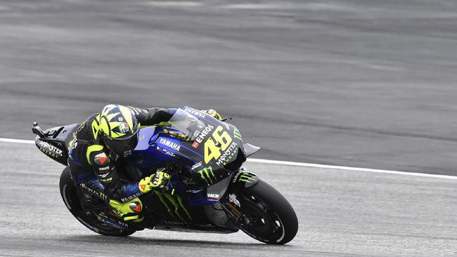 Italian rider Valentino Rossi of the Monster Energy Yamaha MotoGP rides during a warm up session for the MotoGP race at the Austrian motorcycle Grand Prix at the Red Bull Ring in Spielberg, Austria, Sunday, Aug. 11, 20189 (AP Photo/Kerstin Joensson)