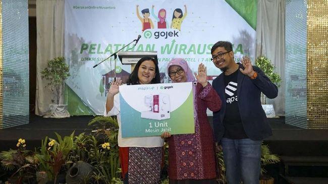 Gojek menggelar pelatihan bersama dengan Muslimat NU di Surabaya terkait dengan pengembangan UMKM di wilayah tersebut.