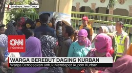 VIDEO: Warga Berebut Daging Kurban