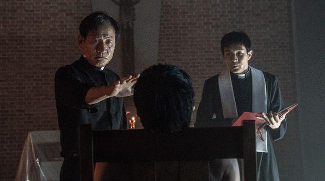 The Divine Fury tak hanya jadi reuni Park Seo-joon dan Choi Woo-shik, film ini juga menampilkan perpaduan horor dan laga yang meninggalkan rasa genre drama.