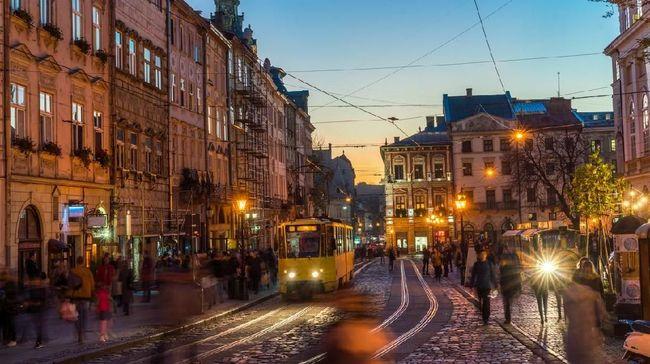 Euro trip dari Amsterdam ke London sudah jadi hal biasa. Bagaimana jika dari Kroasia ke Slovenia?