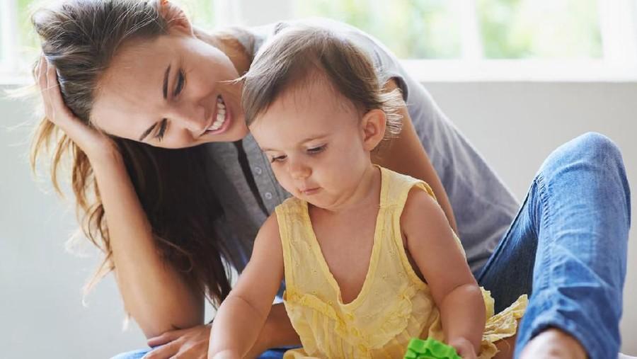Tips Ibu Rumah Tangga Tetap Bugar Meski Cuma di Rumah