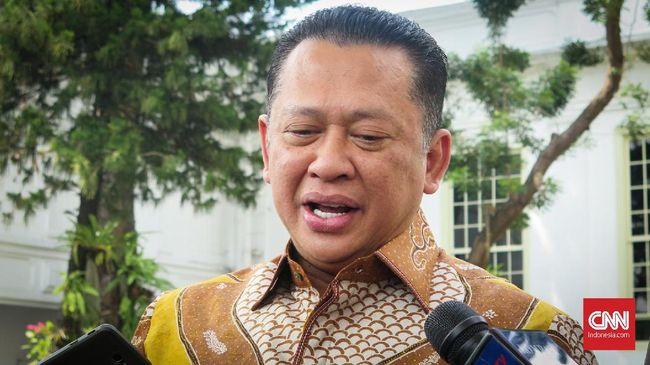 Ketua DPR Bambang Soesatyo mengaku mendapat laporan dari BEM bahwa massa yang rusuh dan melakukan perusakan saat aksi tolak RKUHP bukan mahasiswa.