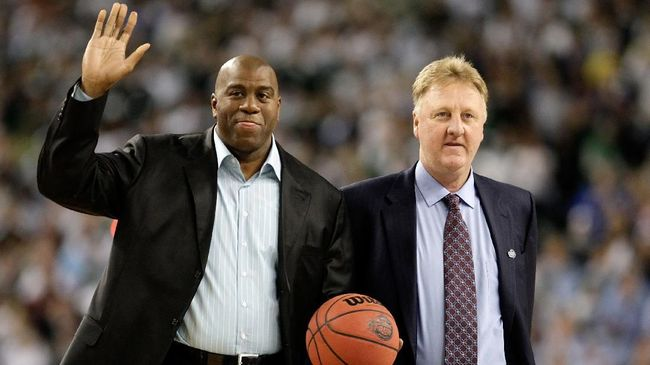 Bersaing untuk menjadi yang terbaik tak luput terjadi dalam dunia olahraga. Demikian persaingan antara legenda basket Earvin 'Magic' Johnson dengan Larry Bird.