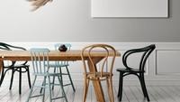Simpel dan tak banyak perabot seperti ruang makan tersebut bisa Bunda contoh jika tak ingin pusing membersihkannya.