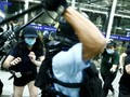 Polisi dan Pedemo Hong Kong Bentrok di Bandara