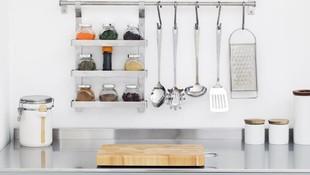 6 Cara Cerdas Menyimpan Alat dan Bumbu Masak di Dapur Kecil