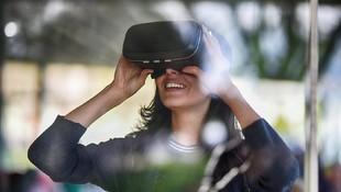 Teknologi Virtual Reality Bisa Bantu Alihkan Nyeri Persalinan?