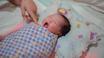 Menggemaskan! 7 Potret Anak Ilham 'Smash', Baby Quinnsha