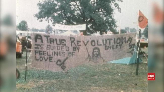 Festival musik Woodstock yang digelar pertama kali pada 1969 tidak hanya jadi ajang senang-senang anak muda. Ia adalah pernyataaan sikap, puncak pemberontakan.