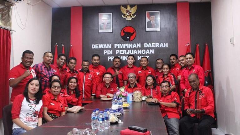 Ahok juga bergabung dengan PDIP dan ditugaskan untuk menjadi seorang guru di sekolah politik di seluruh Indonesia. Ahok ingin kembali memberikan semangat pada masyarakat akan ideologi Pancasila.