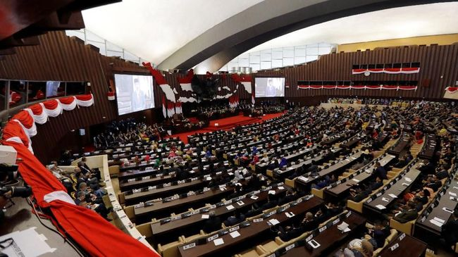 Presiden Joko Widodo mengajak bangsa Indonesia optimistis untuk menatap kemajuan dan bersaing dengan negara lain.