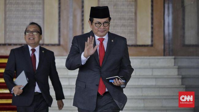 Seskab Pramono Anung mempersilakan masyarakat mengkritisi DPR 2019-2024, namun tetap memberi mereka kepercayaan untuk perbaikan dalam 5 tahun ke depan.
