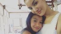 <p>Februari 2019 adalah pertama kalinya Nadya mengunggah foto sang putri, Nyla, di akun media sosial. Menurut Nadya hal ini karena keinginan sang anak yang ingin memiliki <em>channel</em> YouTube sendiri. (Foto: Instagram @nadyahutagalung)</p>