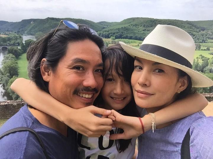 Mantan VJ MTV, Nadya Hutagalung memiliki tiga orang anak, dua laki-laki dan satu perempuan.
