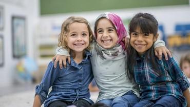 Rayakan HUT Kemerdekaan RI untuk Kenalkan Makna Toleransi ke Anak