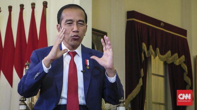 Presiden Jokowi mengaku tak ingin menerapkan kebijakan PSBB dengan tergesa-gesa di tengah kondisi darurat pandemi virus corona.