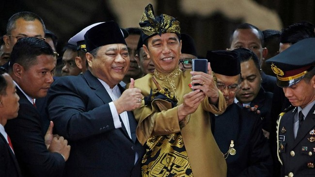 Sidang Tahunan MPR 2019 dan Sidang Bersama DPR-DPD menampilkan pidato kenegaraan dan penyampaian nota keuangan oleh Presiden Jokowi dan dihadiri para tokoh.