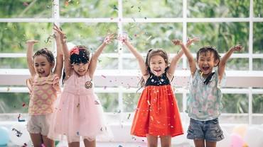 Ajari Si Kecil Lagu Anak 'Hari Merdeka' Sambil Merayakan HUT RI
