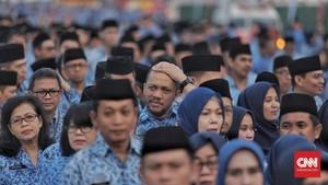 Jokowi Resmi Cairkan Gaji ke-13 PNS Pekan Depan