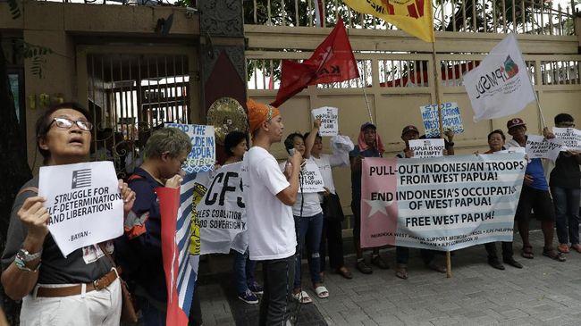 Kabar dunia Senin (19/8) diramaikan berbagai isu, mulai dari organisasi internasional yang menyoroti kerusuhan di Papua hingga penundaan sidang Najib Razak.