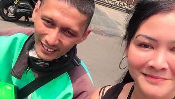 Kisah Melanie Subono Bertemu Anak Yatim yang Dibantu 23 Tahun Lalu