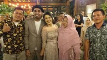 Permohonan Maaf Keluarga atas Pernikahan Tertutup Glenn Fredly