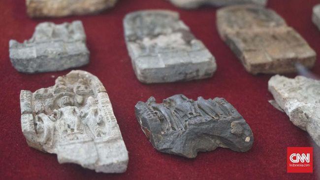 Sejumlah peninggalan Kerajaan Tarumanegara masih dilindungi dan disaksikan sampai saat ini. Berikut peninggalan Kerajaan Tarumanegara dan sejarah singkatnya.