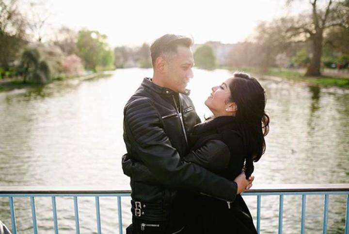 <p>Mengutip hadist HR Tarmidzi, Annisa secara tersirat ingin mengungapkan kalau Agus adalah tipe suami yang sangat baik memperlakukan istri. Semoga langgeng hingga akhir hayat Annisa dan Agus. (Foto: Instagram @annisayudhoyono)</p>