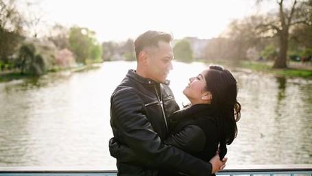 7 Potret Kemesraan Annisa Pohan & Agus Yudhoyono yang Bikin Baper