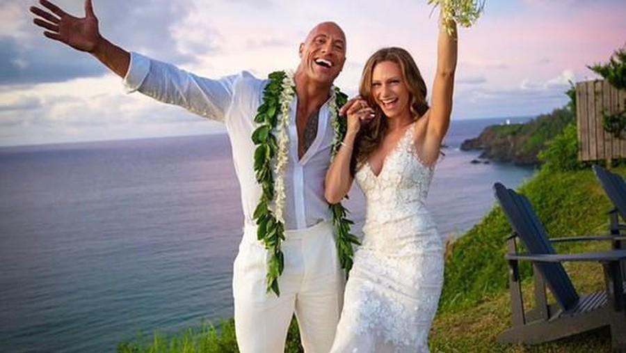 Mewahnya Gaun Pernikahan Istri Dwayne The Rock