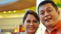 Hampir 28 tahun membina rumah tangga, Iszur dan Niekla tetap romantis ya. (Foto: Instagram/ @ismuch66)