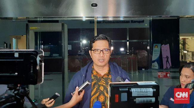 KPK mengagendakan pemeriksaan terhadap seorang pihak swasta sebagai saksi untuk tersangka Imam nahrawi dalam kasus dugaan suap dana hobah KONI.