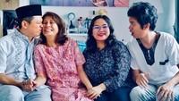 <div>Merayakan Lebaran bersama keluarga tercinta. (Foto: Instagram/ @gamzrs)</div><div></div>