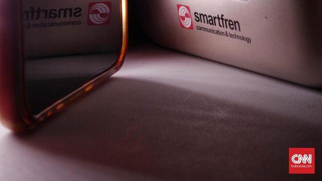 Deputy CEO Smartfren Djoko Tata Ibrahim mengatakan saat ini hanya perangkat iPhone yang baru menerapkan teknologi eSIM.