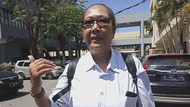 Tersangka kasus pengepungan asrama mahasiswa Papua di Surabaya, Tri Susanti alias Susi, dijerat tiga pasal di UU ITE KUHP, dan UU no 1 tahun 1946.
