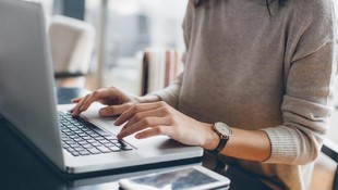 7 Tips Jaga Keamanan & Privasi Berinternet, Bunda Harus Tahu
