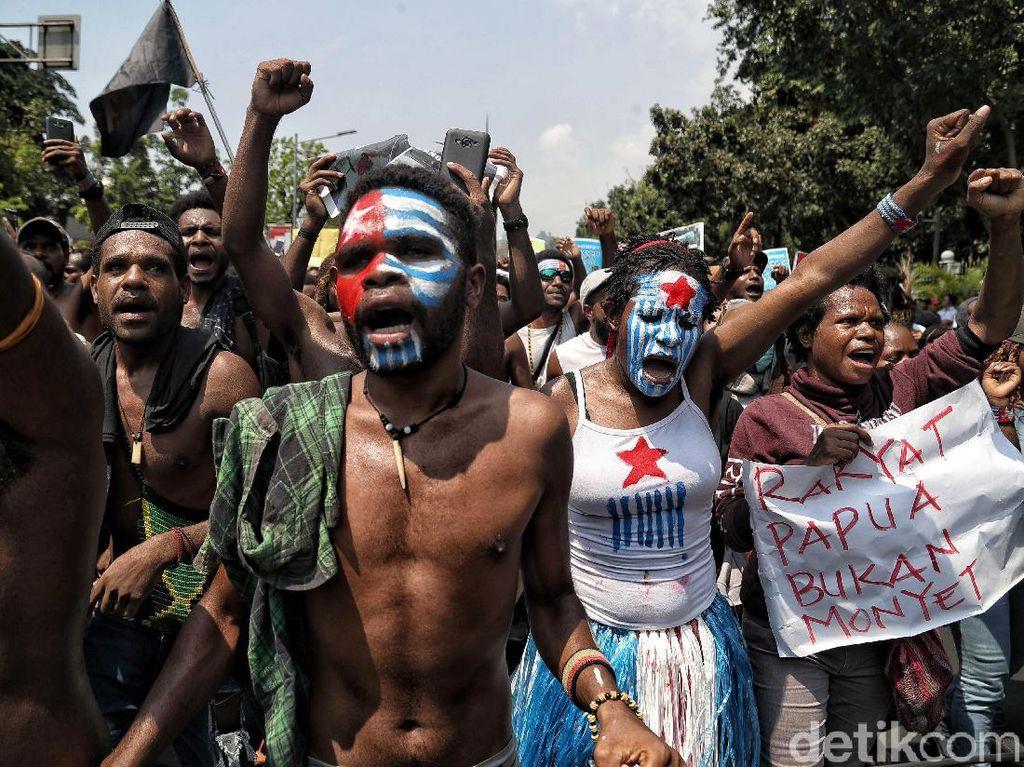 Suara Mahasiswa Papua dari Seberang Istana Merdeka