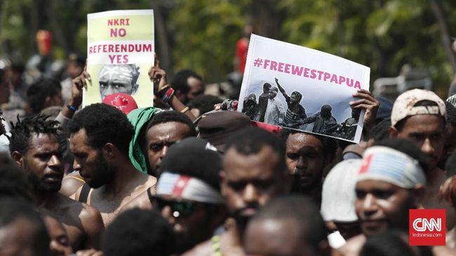 Aksi menentang rasisme terhadap orang Papua hari ini digelar di Kabupaten Paniai, Deiyai, dan Dogiayai. Mereka juga menuntut referendum Papua.
