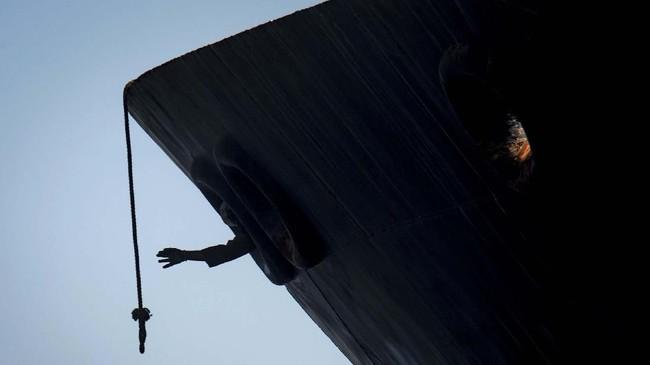 Pilihan foto-foto unik pilihan CNNIndonesia.com pada pekan ini memuat unjuk rasa di Hong Kong hingga kapal yang berlayar di Greenland.
