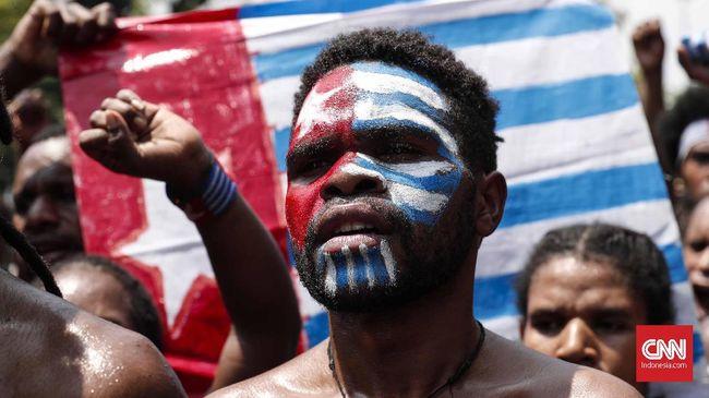 Menko Polhukam Mahfud MD mengaku akan mengedepankan dialog dalam menghadapi separatisme di Papua dan memakai penegakan hukum pada KKB.