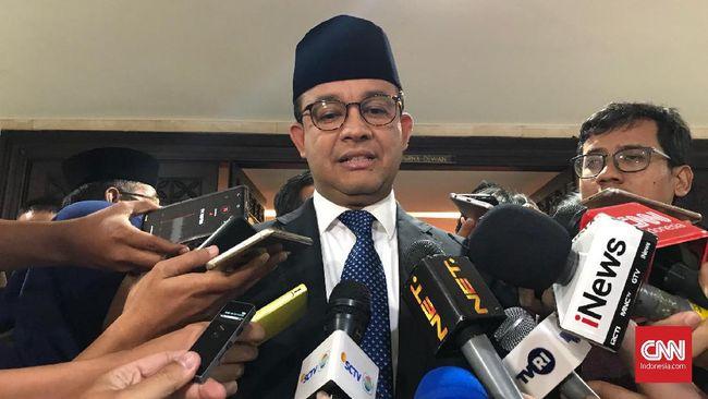 Gubernur DKI Jakarta yang juga Ketua APPSI, Anies Baswedan belum menanggapi soal klausul pemangkasan wewenang daerah di RUU Ciptaker.