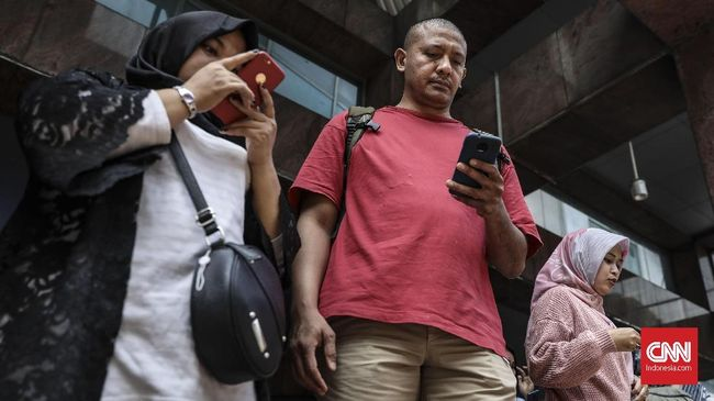 XL Axiata sebut mesti merogoh Rp13,6 miliar untuk menyediakan mesin pemblokir ponsel ilegal.