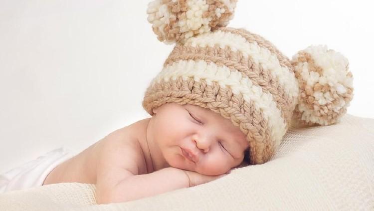 Bunda sedang mencari nama bayi perempuan Islam? Nama bayi perempuan Islam terdiri dari tiga suku kata bisa jadi pilihan. Lihat daftar namanya di sini ya, Bun.