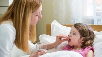 Amankah Memberikan Ibuprofen Saat Anak Demam?