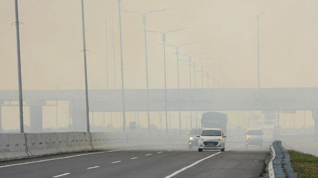 BMKG mengatakan penanggulangan bencana kebakaran hutan dan lahan (karhutla) terkendala kondisi langit yang cenderung bersih dan tidak berawan.