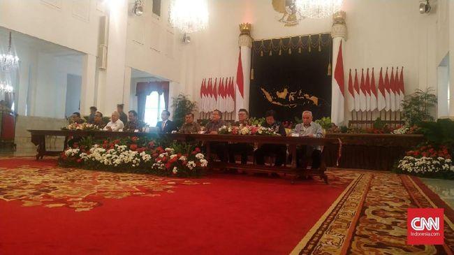 Presiden Joko Widodo memutuskan ibu kota Republik Indonesia dipindahkan dari Jakarta ke Kalimantan Timur.